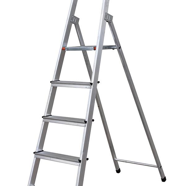 Escalera de aluminio 4 peldaños 890 cm