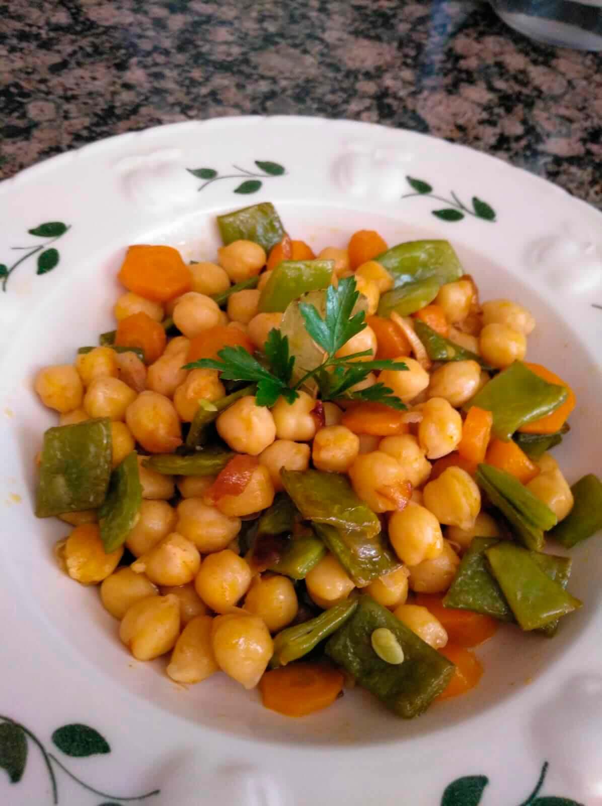 Receta Garbanzos salteados con judía verde y zanahoria