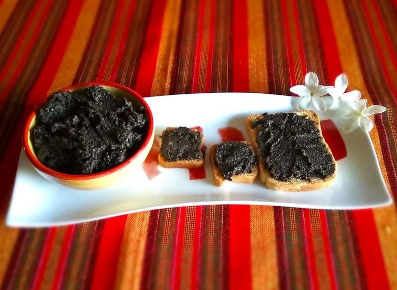 Receta de paté de aceitunas negras y ajos