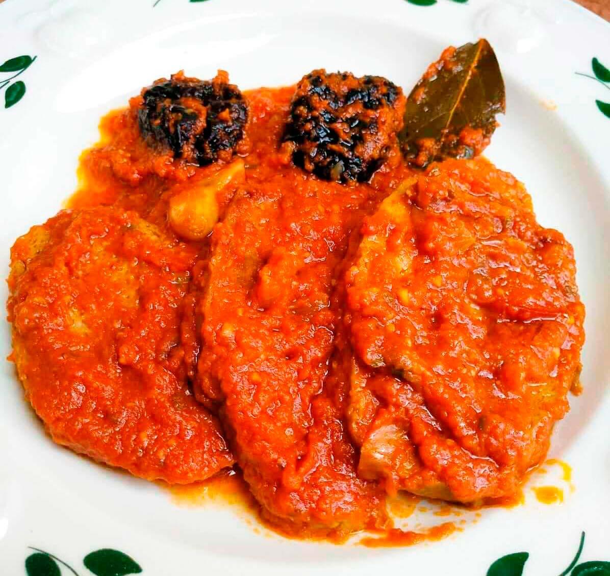 Receta Seitán con salsa de tomate y ciruelas