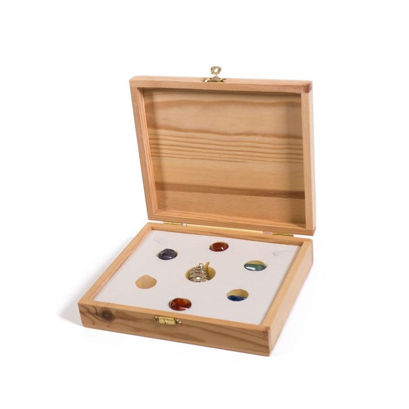 Caja de madera con los 7 chakras